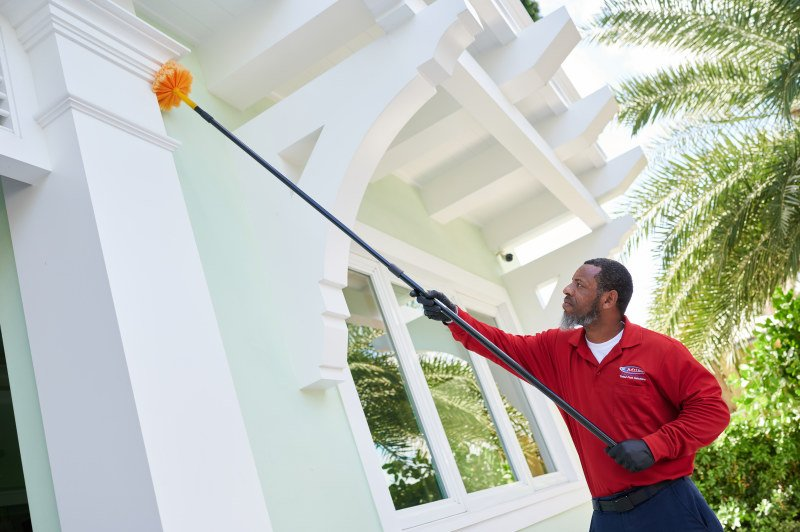 We are the leading bed bug exterminator in North Lauderdale
